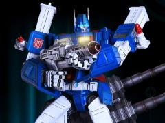Transformers Generation 1 Ultra Magnus Limited Edition Statue