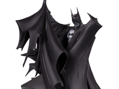 Batman Black and White Limited Edition Statue (Todd McFarlane Ver. 2)