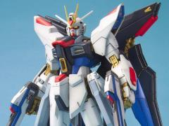 Gundam MG 1/100 Strike Freedom Gundam Model Kit