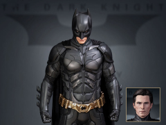 The Dark Knight Batman 1/3 Scale Statue (Deluxe Edition)