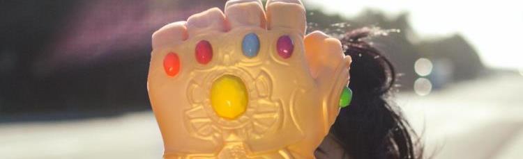 Infinity Gauntlet Oven Glove