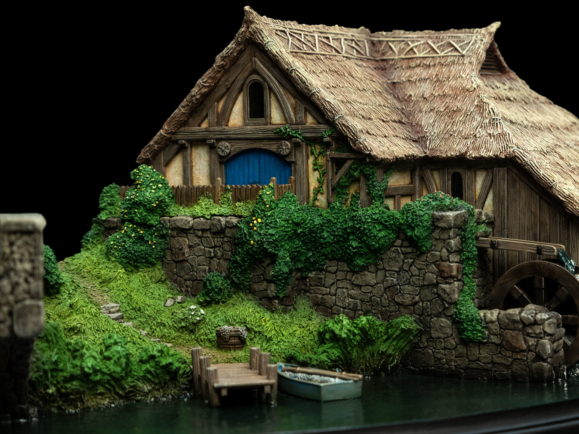 The Hobbit Hobbiton Mill & Bridge Diorama