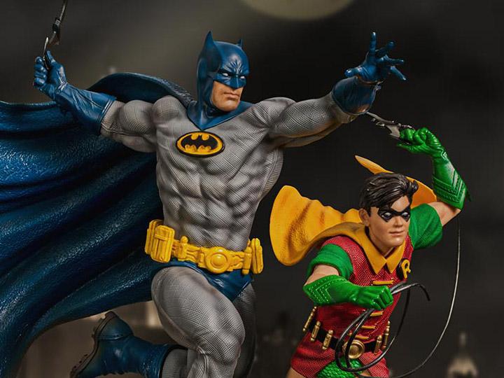 DC Comics Batman & Robin 1/10 Deluxe Art Scale Statue (Ivan Reis)
